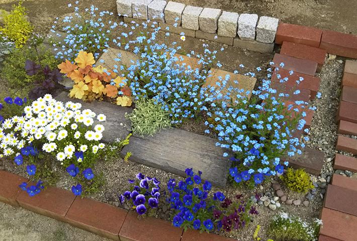 作り方が簡単な花壇とは?
